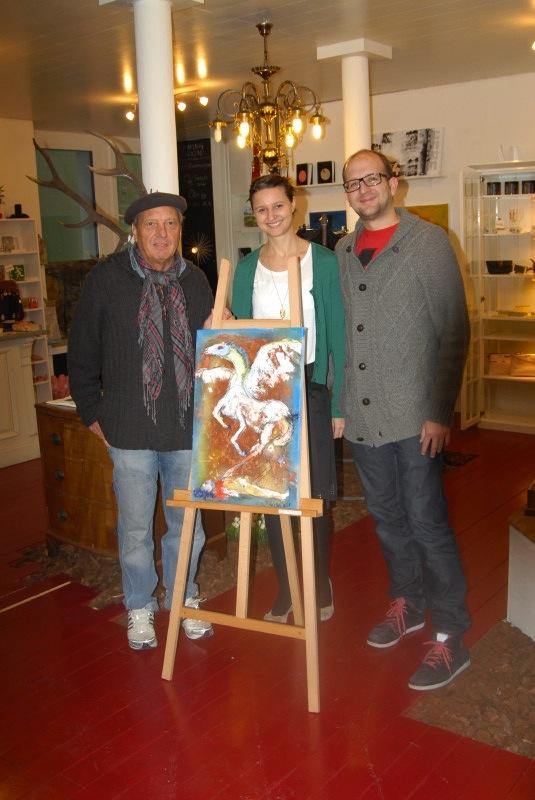 Johannes Flückiger mit Pegasus und den beiden Hirschen